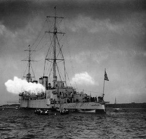 USS-Memphis-(CL-13)